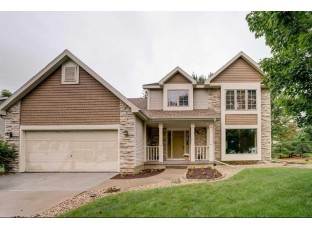 3202 Country Grove Dr Madison, WI 53719