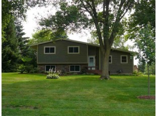 2060 River Estates Ln Stoughton, WI 53589