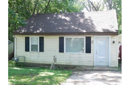 129 Hickory Nut Ln, Edgerton, WI 53534