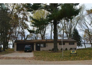 W949 W North Shore Dr Montello, WI 53949