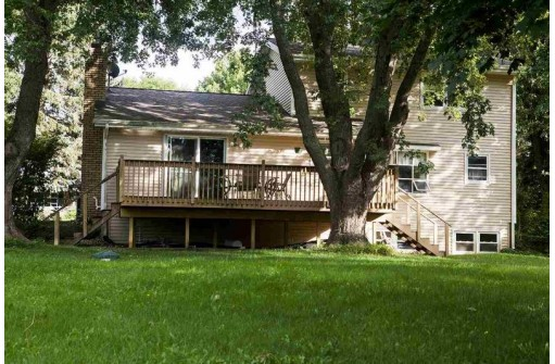 3784 Sunburst Rd, Madison, WI 53718