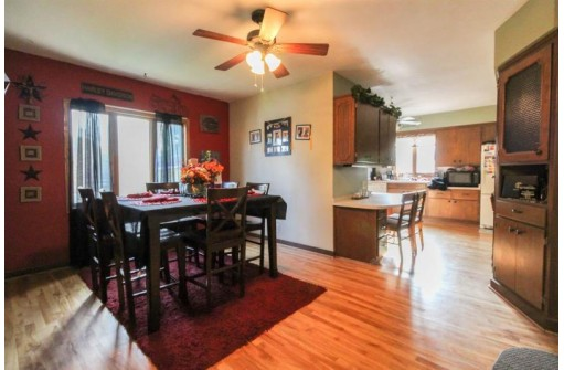 241 Jefferson St, Johnson Creek, WI 53038