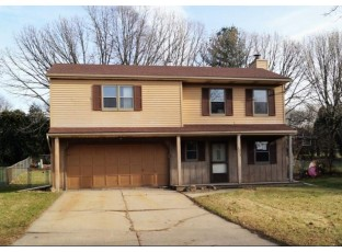 2913 Greenway Tr Madison, WI 53719