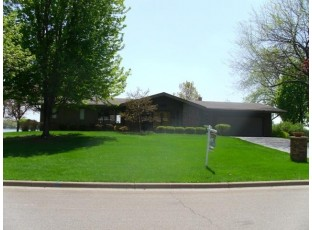 1522 Lakeview Dr Tomah, WI 54660