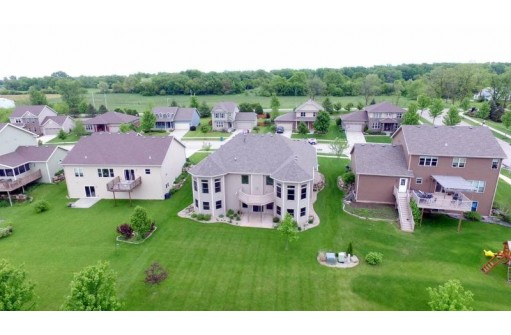 1186 Cathedral Point Dr, Verona, WI 53593