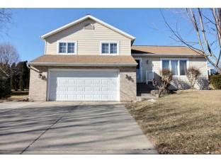 525 Ash St Oregon, WI 53575