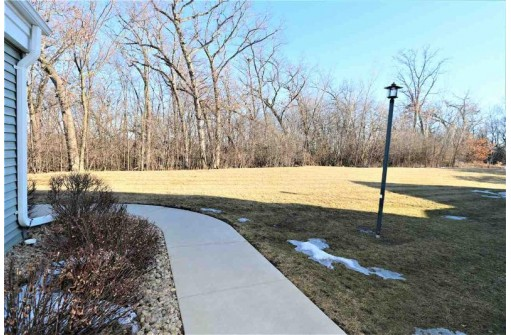 5429 Patriot Dr, Madison, WI 53718