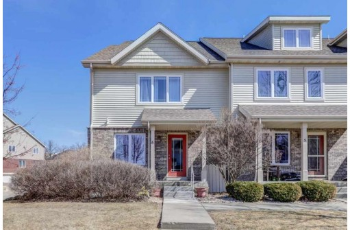 3936 Maple Grove Dr 6, Madison, WI 53719
