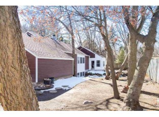 672 Maple Rd Verona, WI 53593
