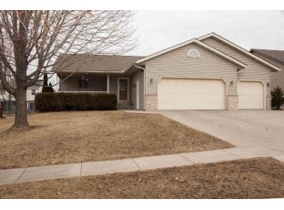 227 Chateau Dr Cottage Grove, WI 53527