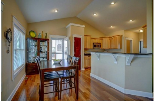 314 Oriole Ln, Cambridge, WI 53523