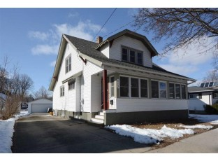 413 N Main St Lake Mills, WI 53551
