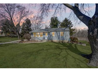 4470 4th St Windsor, WI 53598