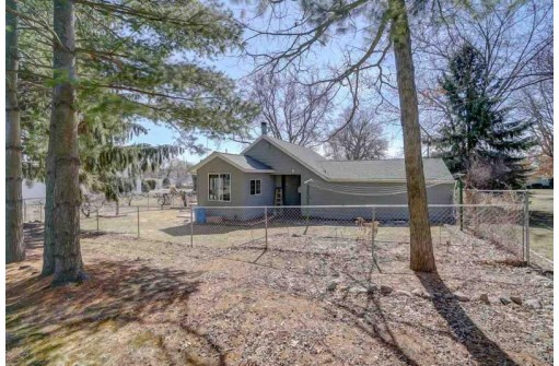 4470 4th St, Windsor, WI 53598