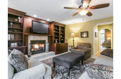 6714 Lannon Stone Cir, Middleton, WI 53562