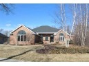9038 Aspen Grove Ln, Madison, WI 53717