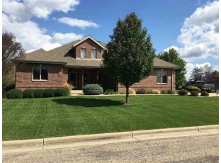 3023 Linnerud Dr Stoughton, WI 53589