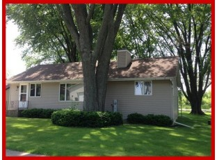 W8129 Elm Point Rd Lake Mills, WI 53551-9711