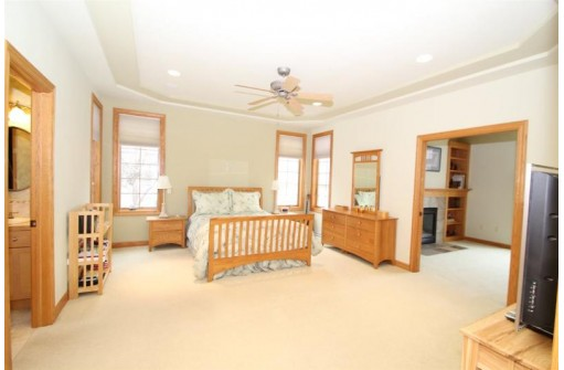 9109 Settlers Rd, Madison, WI 53717
