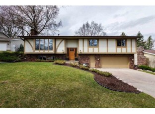 10 Foxboro Cir Madison, WI 53717