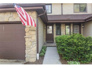103 Williamsburg Way Ct Fitchburg, WI 53719