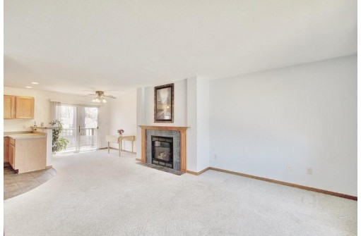 725 Drexel Blvd, South Milwaukee, WI 53172-3225