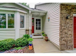 13 Star Fire Ct Madison, WI 53719