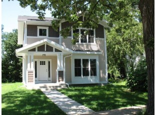 176 Lincoln St Janesville, WI 53548