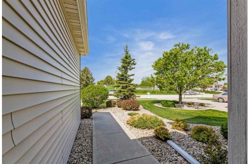 722 Dunn Ave, Oregon, WI 53575