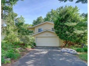 2 Waltham Cir Madison, WI 53711