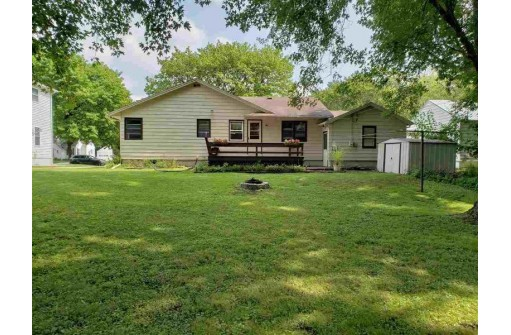 75 S Willow Ct, Markesan, WI 53946