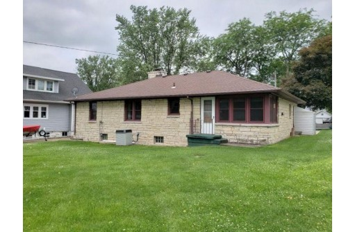 831 Ohio St, Darlington, WI 53530