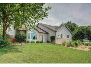 2938 Maple View Dr Madison, WI 53719