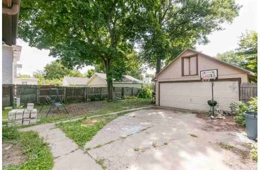 744 Vernon Ave, Beloit, WI 53511
