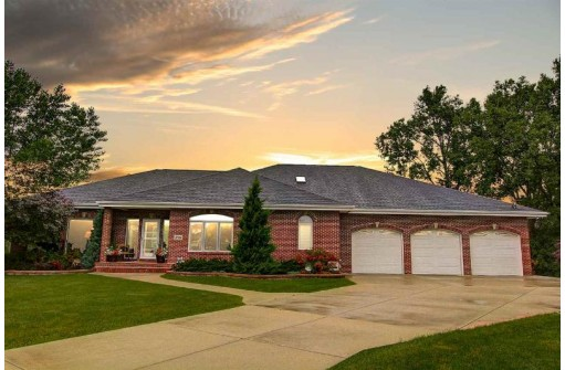 308 Watercress Ct, Cottage Grove, WI 53527