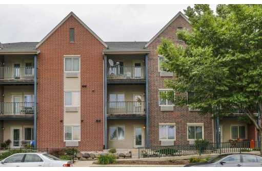 1901 Carns Dr 303, Madison, WI 53719