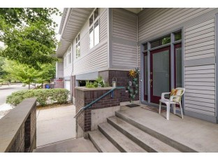 5 Deer Point Tr Madison, WI 53719