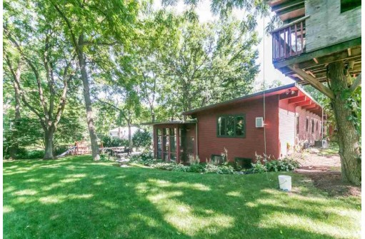 5554 Winsome Way, Oregon, WI 53575