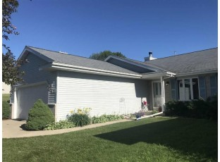 216 Chateau Dr Cottage Grove, WI 53527