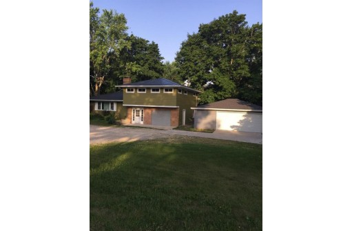 N5821 County Road A, Green Lake, WI 54941