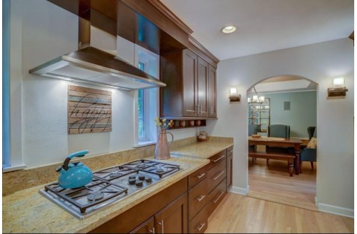 704 Huron Hill, Madison, WI 53711