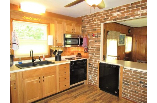 9785 Ne Badger Heights, Edgerton, WI 53534