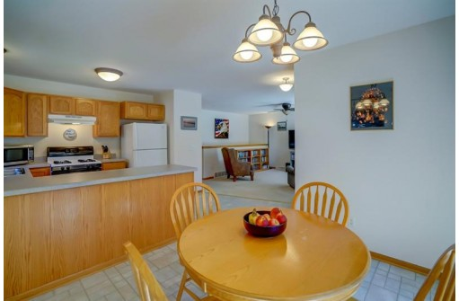 1518 Waldorf Blvd, Madison, WI 53719