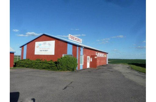 608 County Road O, Mineral Point, WI 53565-0000