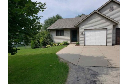 4435 Baxter Rd, Cottage Grove, WI 53527