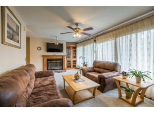 2208 Pike Dr Madison, WI 53713