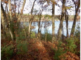 276a Lakeshore Dr Adams, WI 53910