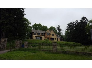 130 10th Ave Baraboo, WI 53913