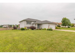 287 Stonefield Dr Lake Mills, WI 53551