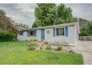 716 Crawford Dr Cottage Grove, WI 53527